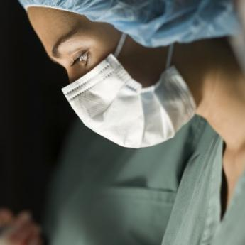 Women More Likely to Survive Heart Attacks If Treated by Female Doctors